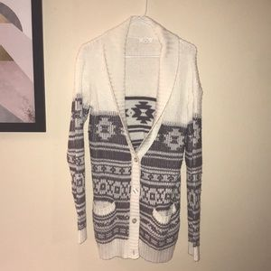 Patterned White and Grey Cardigan